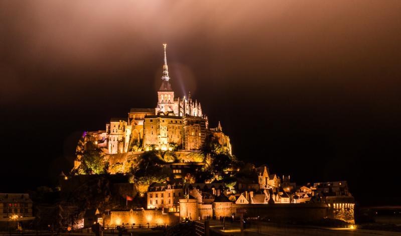 Mont Saint Michelle by night