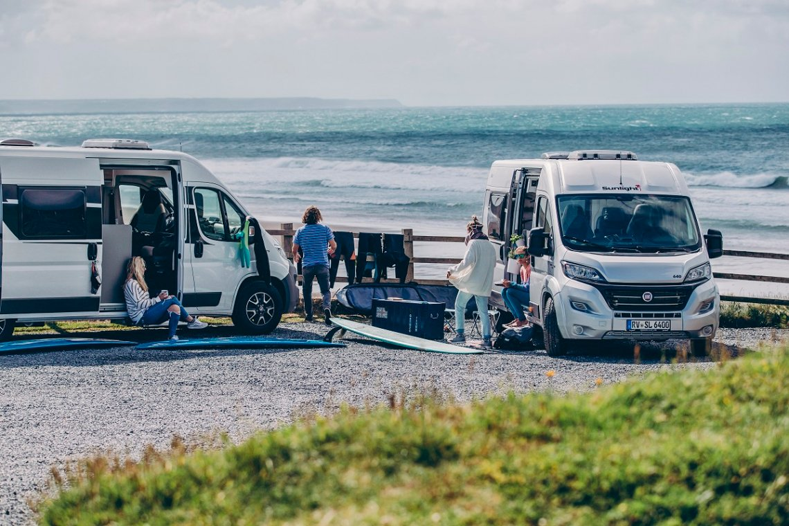 Sunlight Camper Vans am Meer in Cornwall