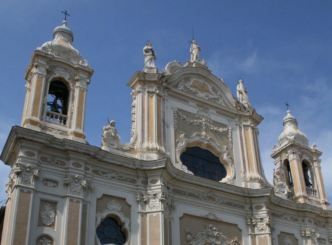 Barokke kerk van S. Giovanni Battista, Finale Ligure, Italië