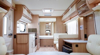 Innenraum des LMC Wohnwagens Exquisite VIP