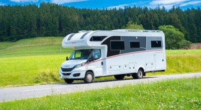 Außendesign 2022 des Alkoven Reisemobils Globetrotter XXL A von Dethleffs