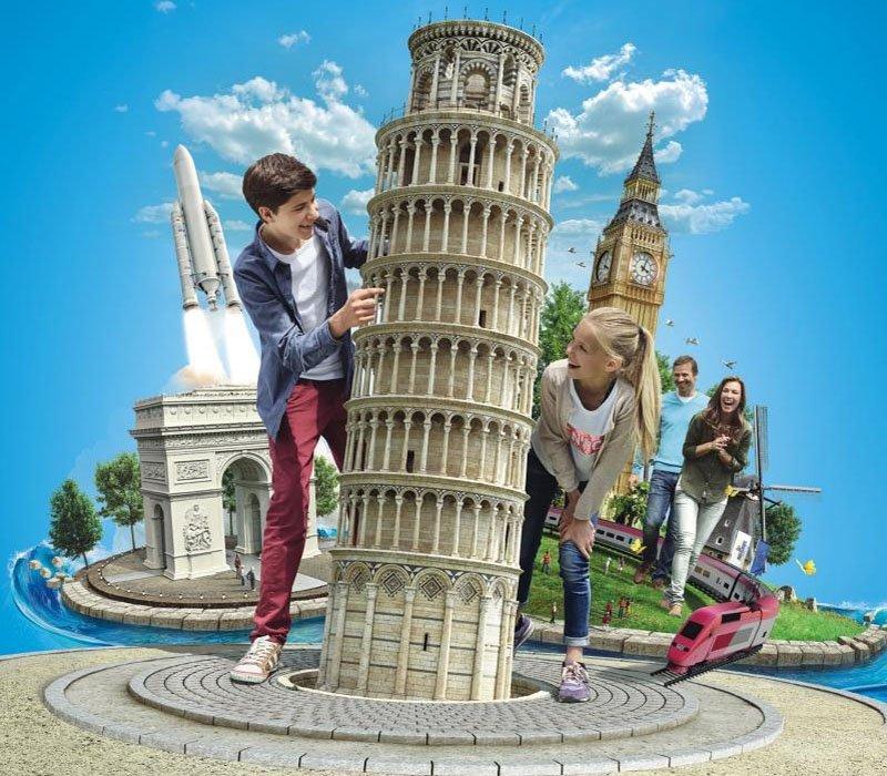 Der Schiefe Turm von Pisa im Miniaturformat