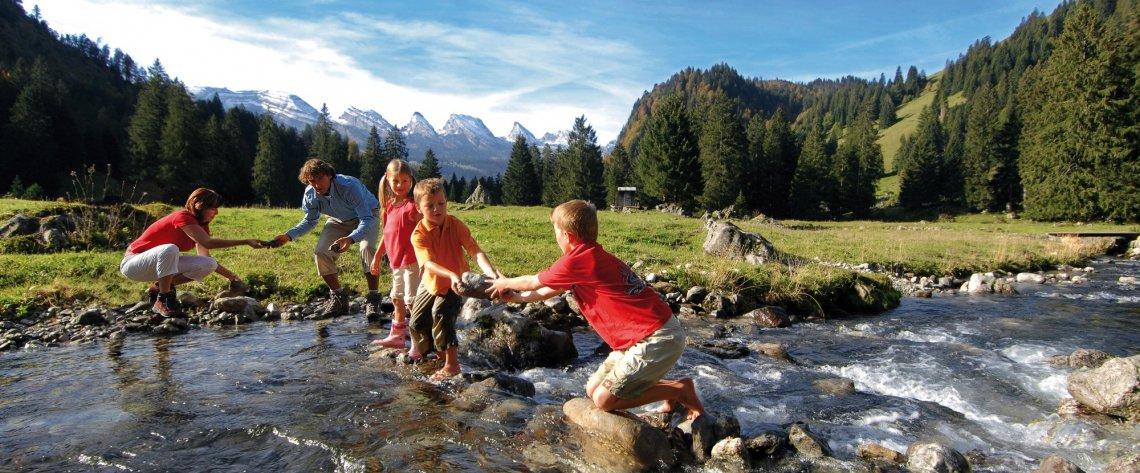 Familienurlaub auf Laui Alpli oberhalb Unterwasser im Toggenburg, Ostschweiz