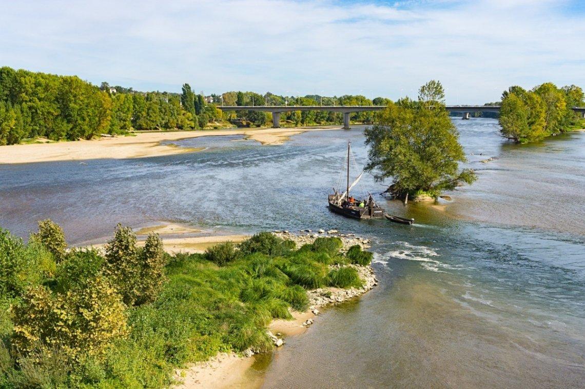 Een leuke manier om te genieten van de Loirestreek is vanaf een boot.