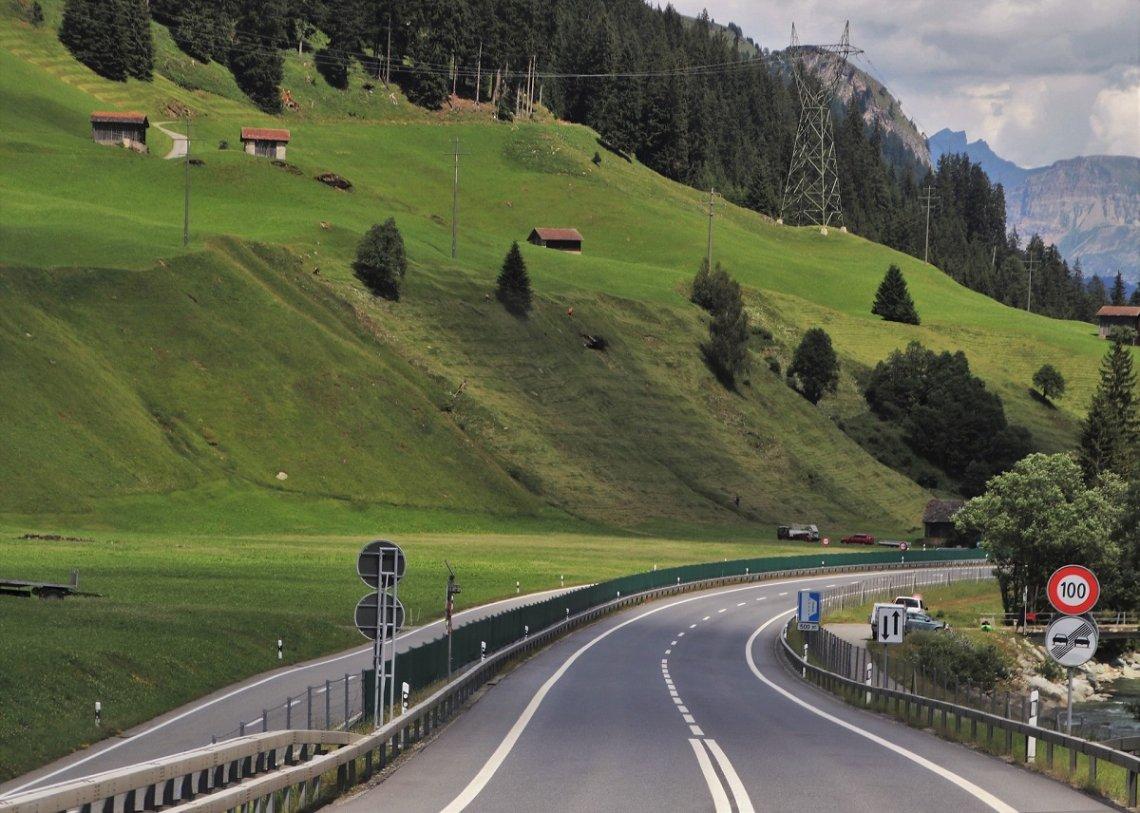 Schweizer Autobahn mit Tempolimit
