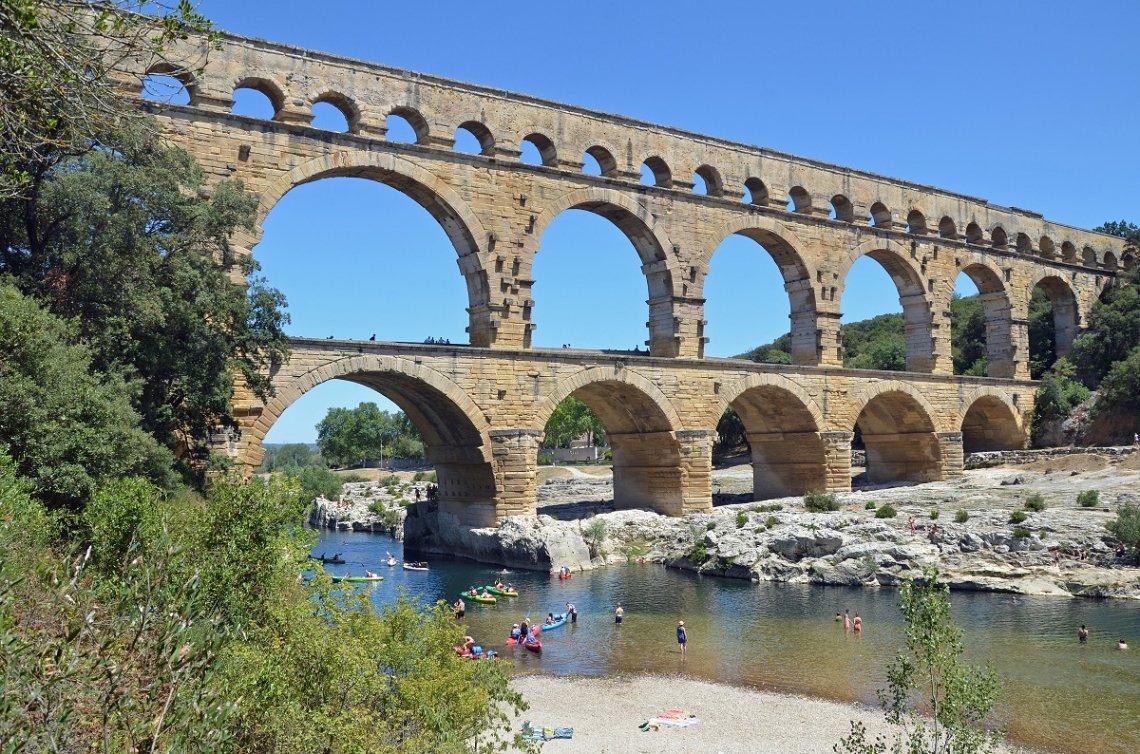 Kajak fahren unter der Pont du Gard