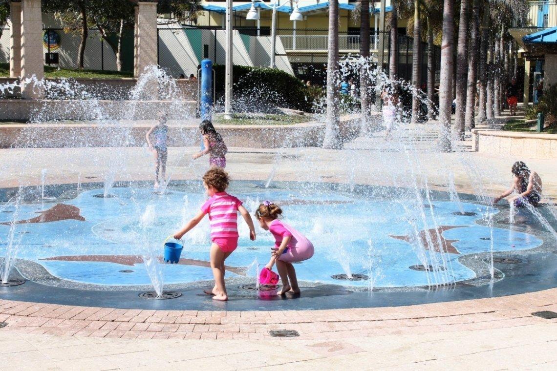 Een waterspeeltuin is een genot voor kinderen