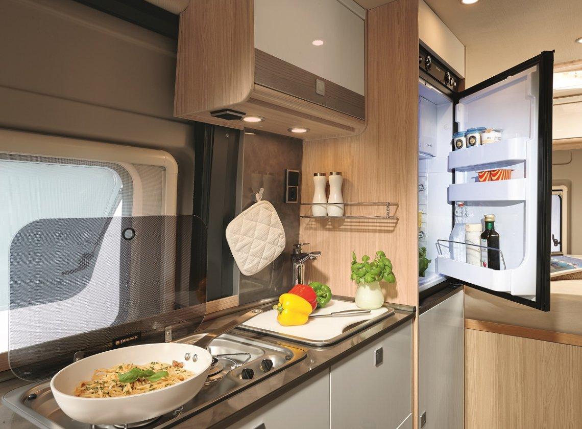 Kompressor-Kühlschrank im Bürstner Campervan City Car C600