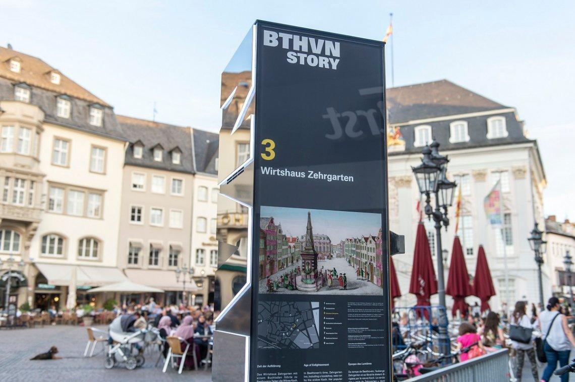 Stele zum Beethoven-Jubiläum am Bonner Marktplatz