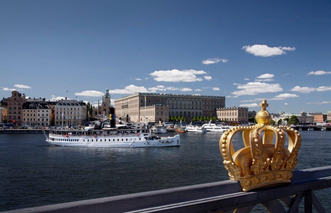 Blick auf das königliche Schloss und die Altstadt von Stockholm