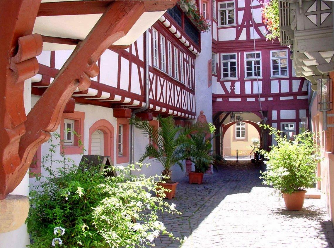 Fachwerhaus Altstadt Neustadt an der Weinstrasse