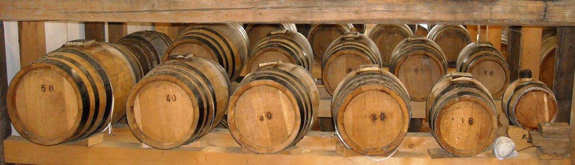 Batterie Holzfaesser für Aceto Balsamico Tradizionale