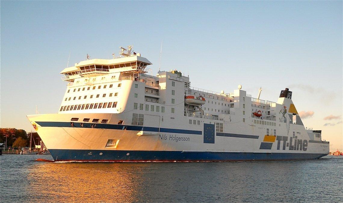 TT-Line Fähre Nild Holgersson auf dem Weg in den Hafen