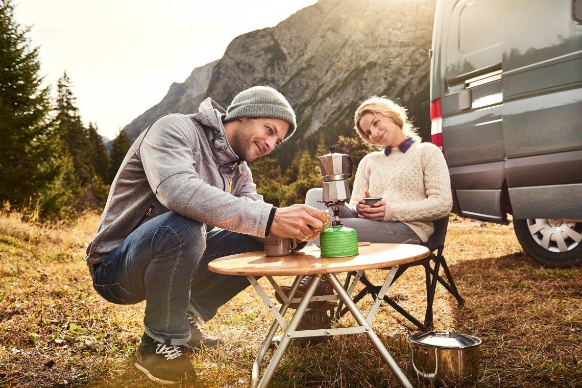 Campingtisch niedrig zum Kaffeekochen