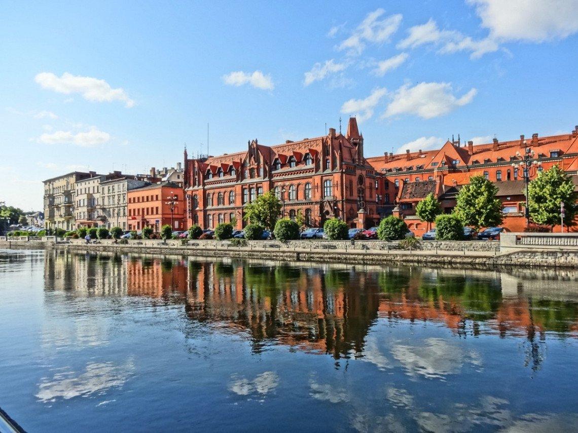 Historische Gebäude am Fluss in Bydgoszcz