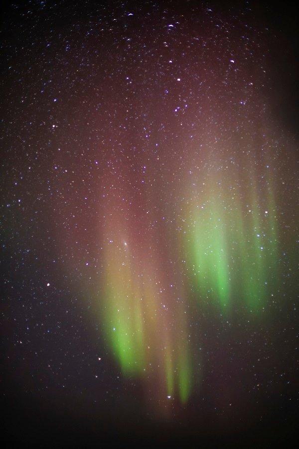 Polarlicht am Himmel ohne Kontrast