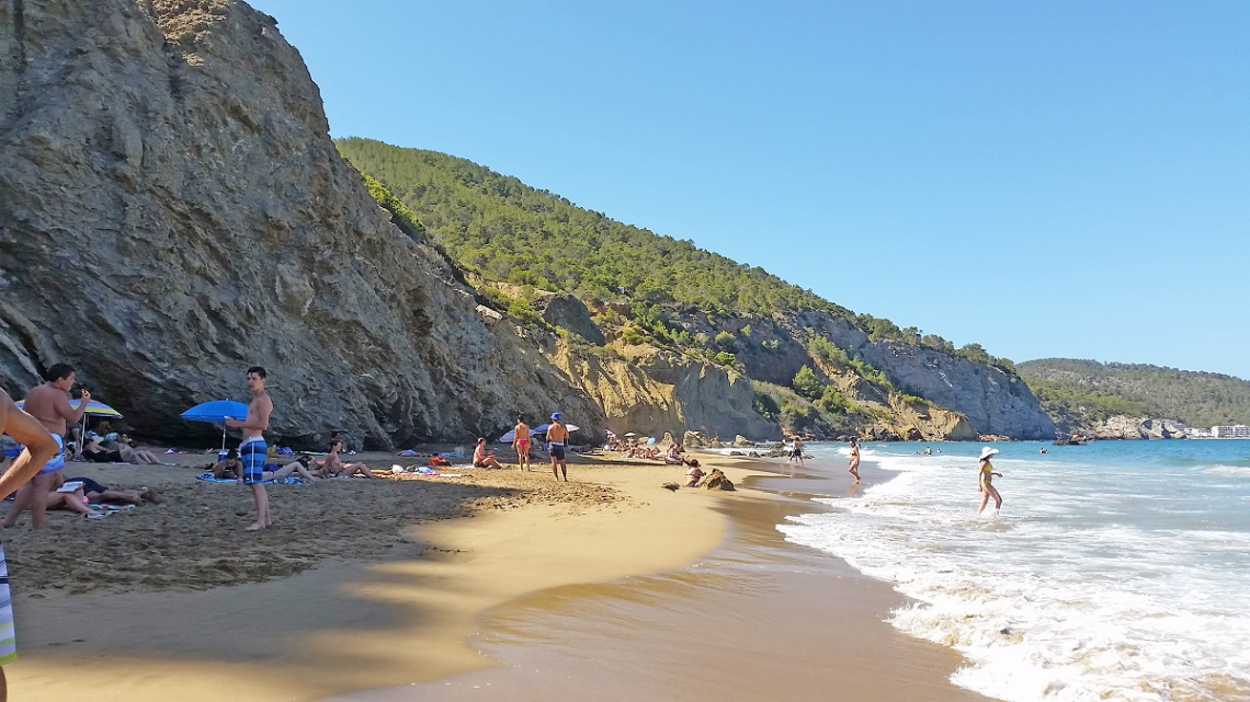 Bucht Aguas Blancas auf Ibiza