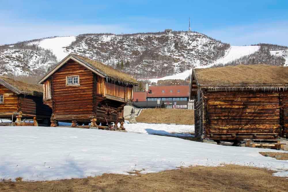 Het skigebied van Geilo in de lente, Noorwegen