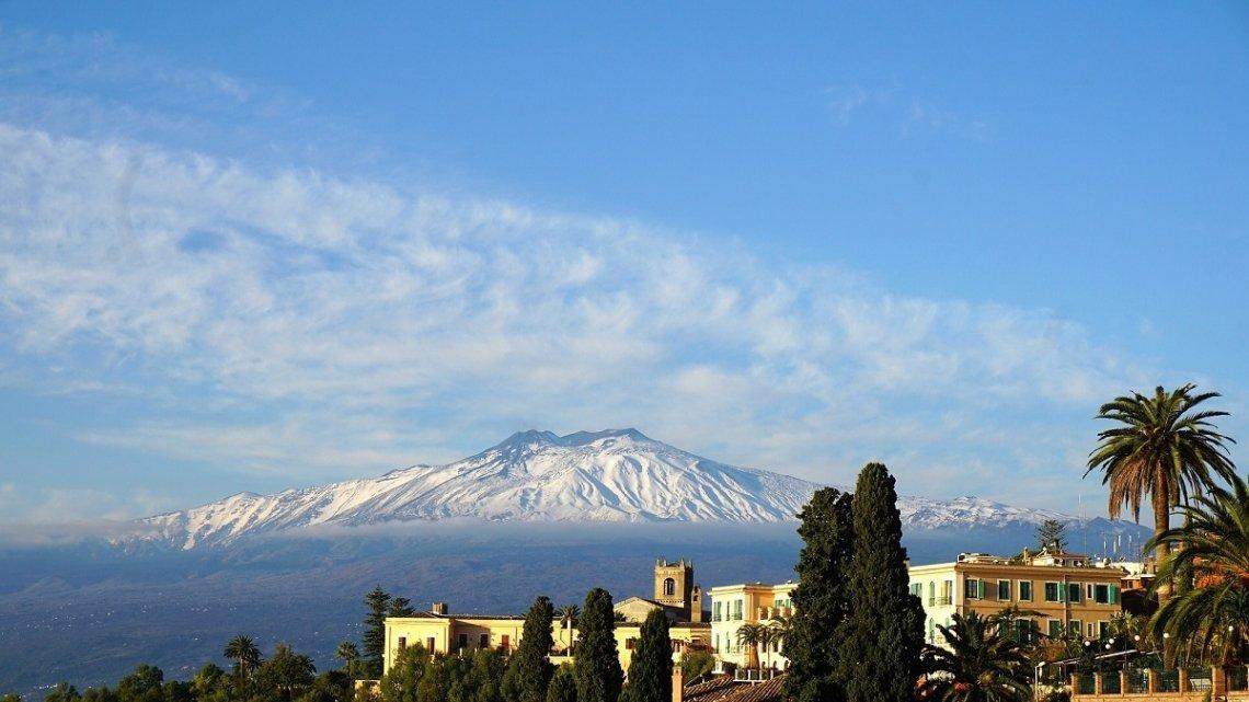 Blik op de Etna, Sicilië
