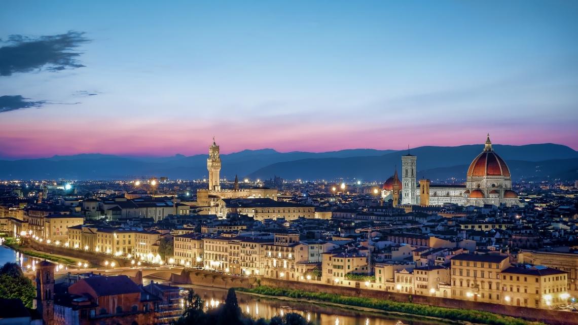 Blick auf Florenz bei Sonnenuntergang