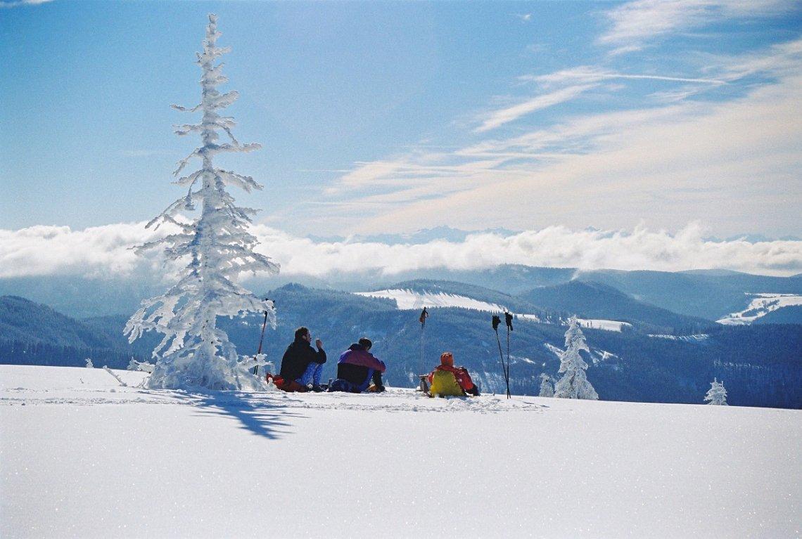 Pause im Schnee bei Todtnauberg im Schwarzwald