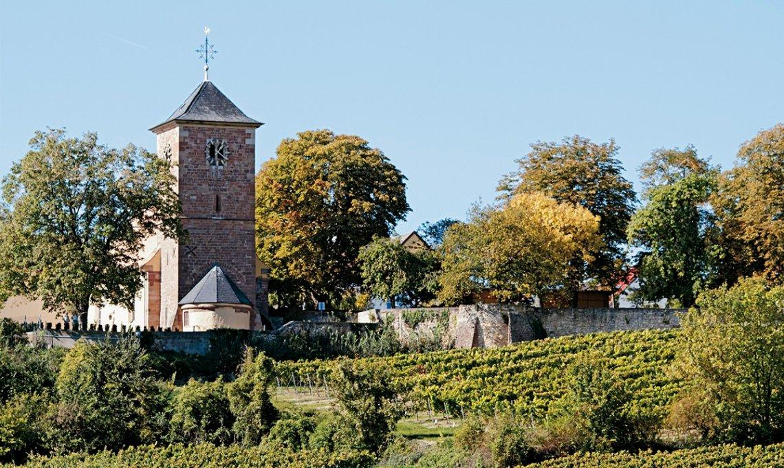 Kirche St. Jakob in Herxheim am Berg von außen gesehen