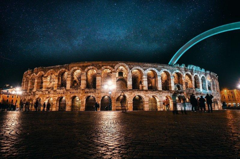 Arena von Verona in Italien bei Nacht