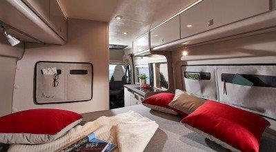 Schlafbereich im Campervan Campeo Black Forest