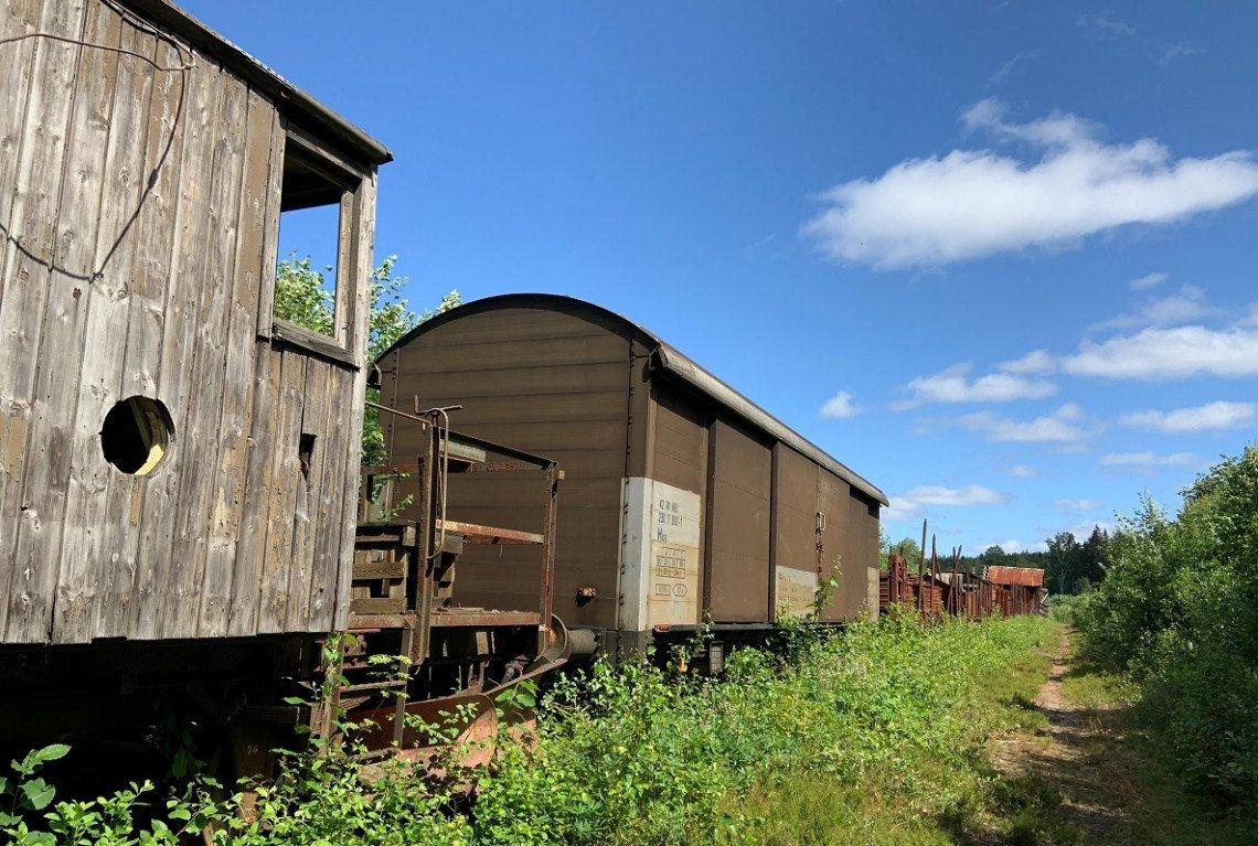Stillgelegter Zug bei Pershyttan in Schweden