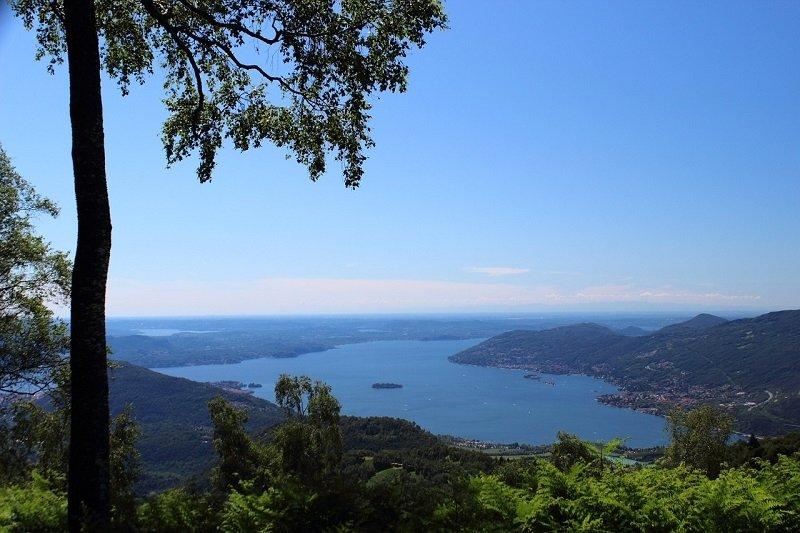 Blick auf den Lago Maggiore in Italien