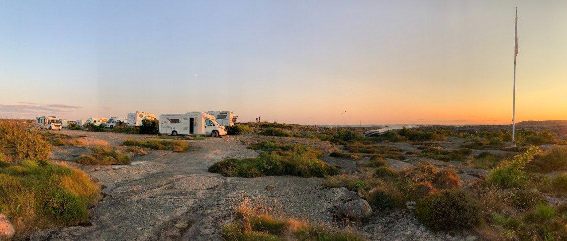 Wohnmobilbereich Campingplatz Sotenäs bei Sonnenuntergang