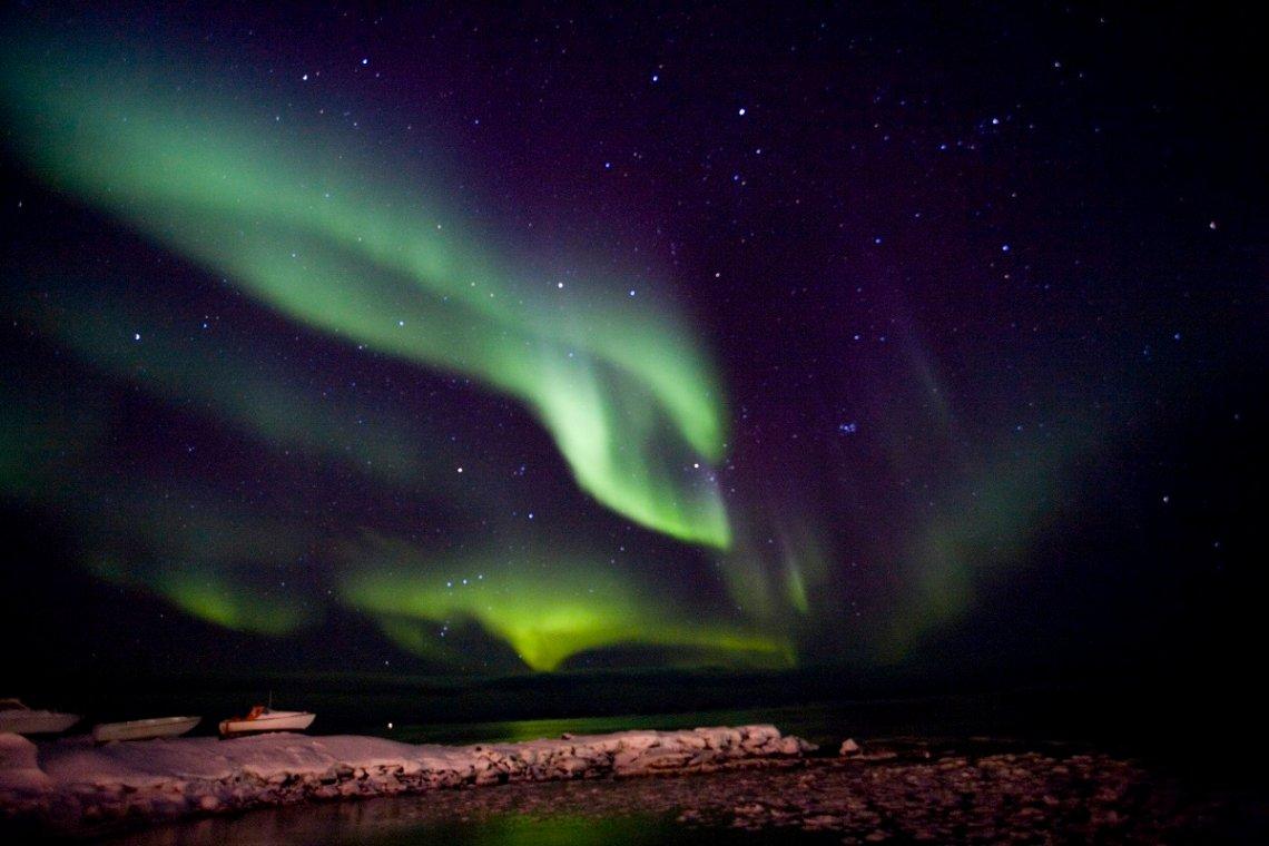 Polarlicht über dem Wasser
