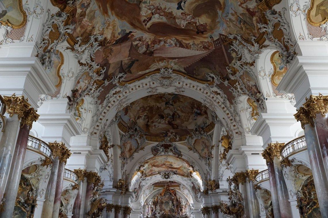 Barocke Klosterkirche in Zwiefalten an der Barockstraße
