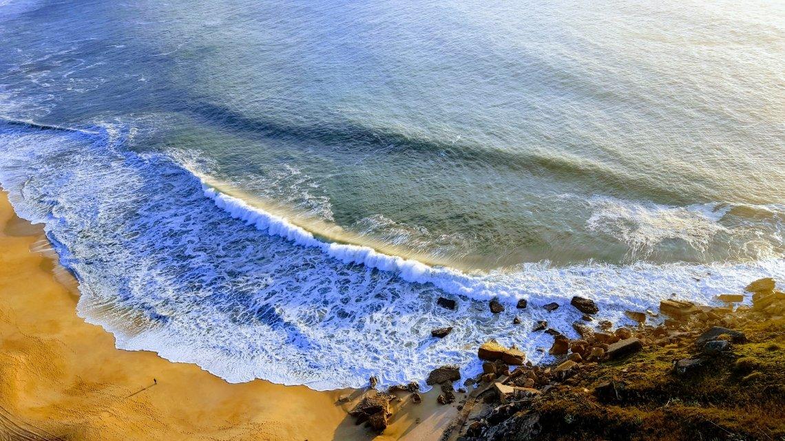 Rugged coastline in Nazaré