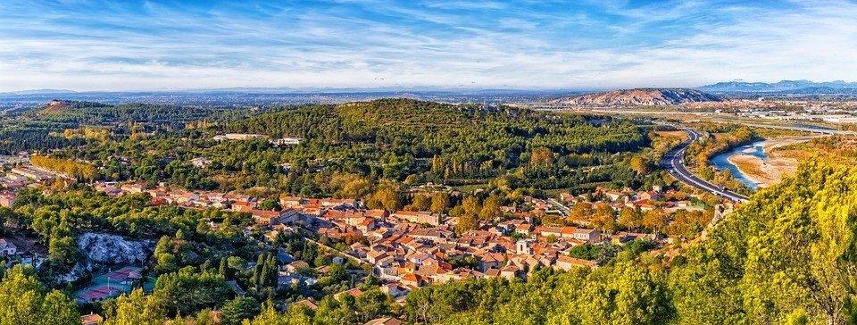 Zuid-Frankrijk, wie heeft hier nou geen beeldende gedachten bij of mooie herinneringen aan?