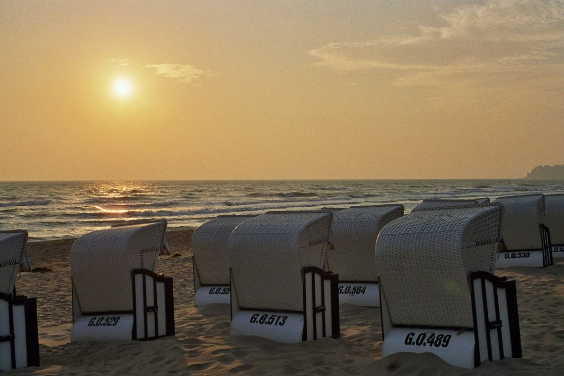 Strandkörbe Baabe im Sonnenuntergang