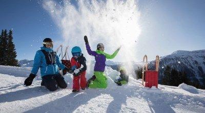 Ideen für aktive Winter-Wochenendtrips mit der Familie