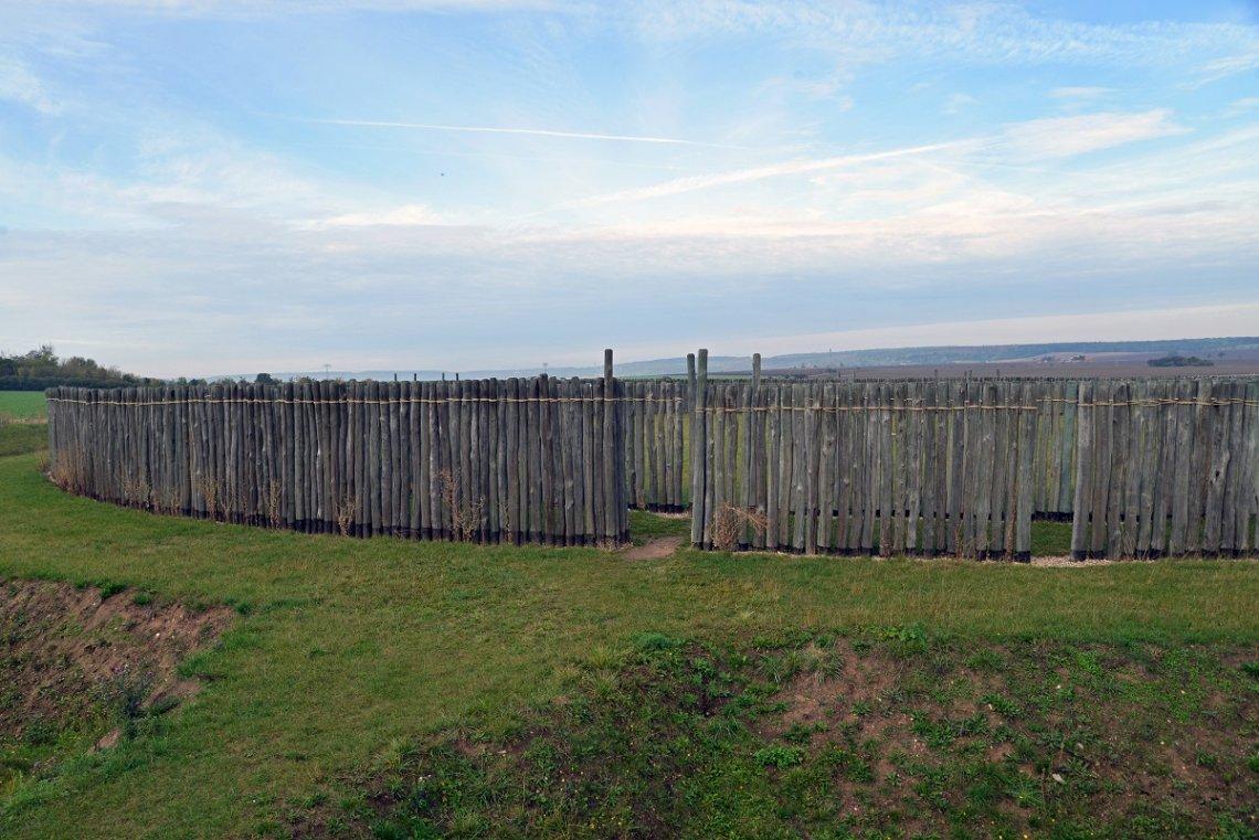 Kreisgrabenanlage in Goseck mit Palisaden