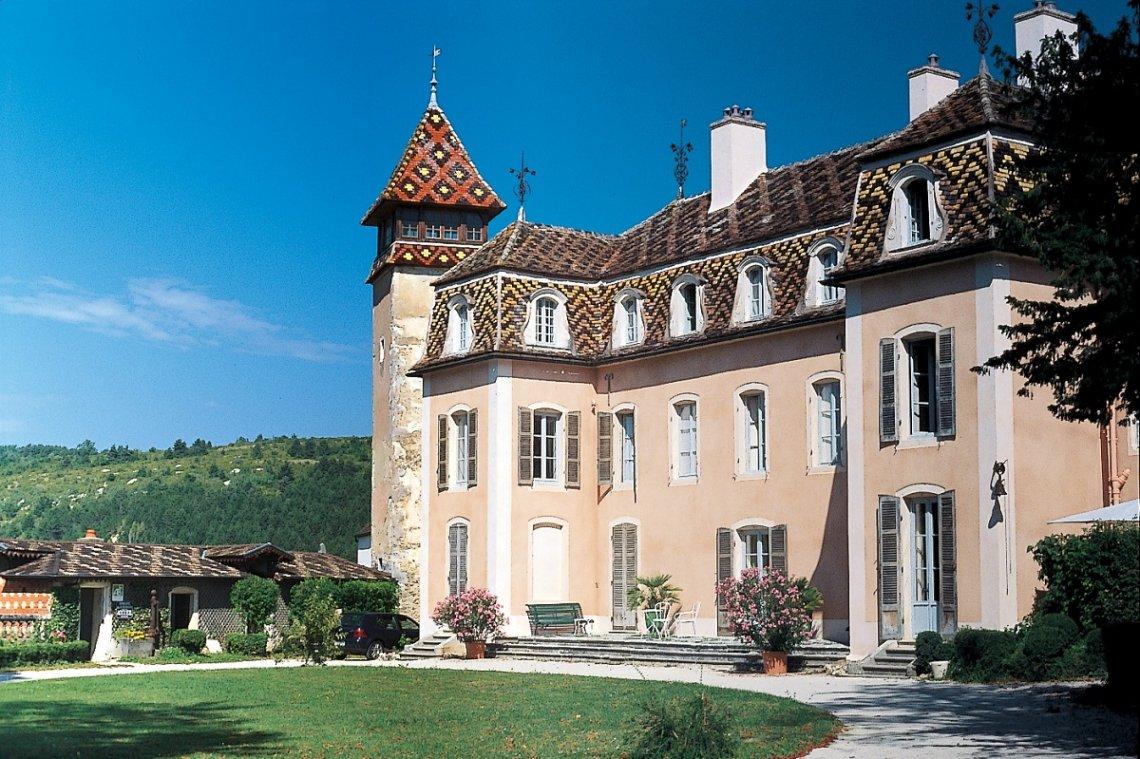 Aussenansicht Schloss von Monthelie